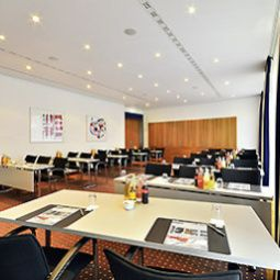 Conference room Pullman Berlin Schweizerhof Fotos