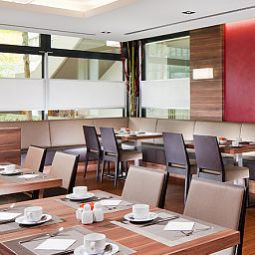 Breakfast room Four Points by Sheraton Central Fotos