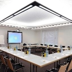 Conference room Schweizer Hof Fotos