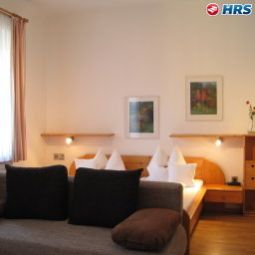 Room Bayerischer Hof Garni & Boardinghouse Fotos