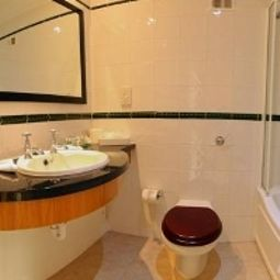 Cuarto de bao Menzies Hotels Stratford upon Avon Welcombe Hotel, Spa & Golf Club Fotos