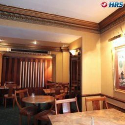 Breakfast room within restaurant Berjaya Eden Park Fotos