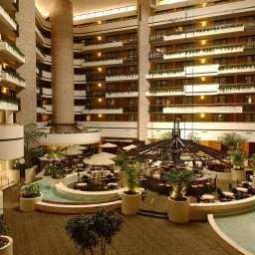 Hall Embassy Suites Orlando  International DriveJamaican Court Fotos