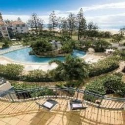 Oaks Calypso Plaza Resort Coolangatta