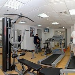 Fitness room Grand Continental Flamingo Hotel Abu Dhabi TOP Fotos