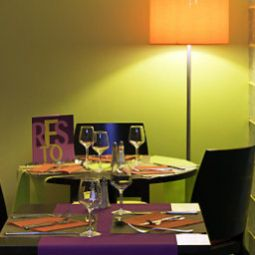 Breakfast room within restaurant ibis Styles Antibes (ex all seasons) Fotos