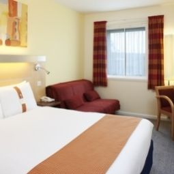 Room Holiday Inn Express BEDFORD Fotos