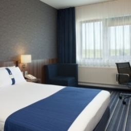 Camera Holiday Inn Express MOERDIJK Fotos