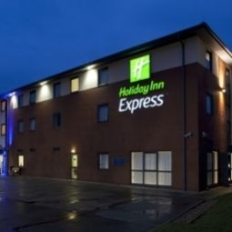 Exterior view Holiday Inn Express BEDFORD Fotos