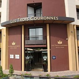 Exterior view Des Trois Couronnes Fotos