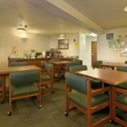 Newberg Travelodge Suites Newberg