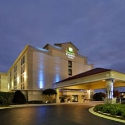 Holiday Inn Express Hotel & Suites WILMINGTON-UNIVERSITY CTR Wilmington 