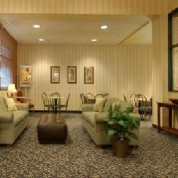 Halle Quality Suites Lake Wright Fotos