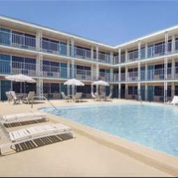 Days Inn Hotel & Suites Tarpon Springs Tarpon Springs 