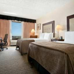 Zimmer DoubleTree by Hilton Wichita Airport Fotos