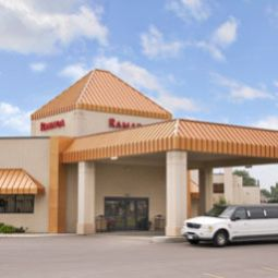 Hotelfotos Ramada Hotel And Suites Sioux Falls Airport
