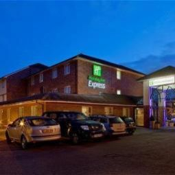 Außenansicht Holiday Inn Express LICHFIELD Fotos