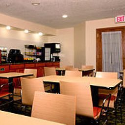 Restaurant TownePlace Suites Albany SUNY Fotos