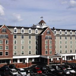 Salem Waterfront Hotel and Suites Salem 