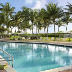 Piscine Holiday Inn MIAMI BEACH-OCEANFRONT Fotos