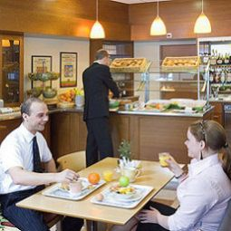 Breakfast room within restaurant ibis Bern Expo Fotos