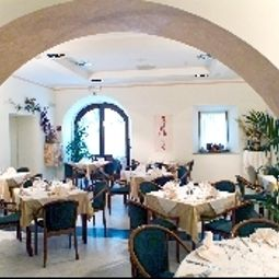 Breakfast room within restaurant Filoxenia Fotos