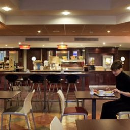 Sala niadaniowa w restauracji ibis Leeds Centre Fotos