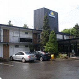Exterior view Days Inn Charnock Richard Welcome Break Service Area Fotos