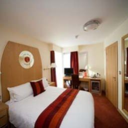 Zimmer Ramada Birmingham North Cannock Fotos