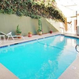 Pool Comfort Inn Near Hollywood Walk of Fame Fotos