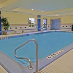 Piscine Staybridge Suites GUELPH Fotos