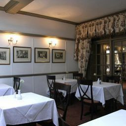 Breakfast room within restaurant Running Horses Near Dorking Fotos