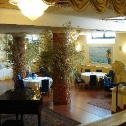 Breakfast room within restaurant Villa Maria Fotos