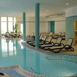 Pool Binder Wellness- und Vitalhotel Fotos