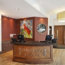 Hall Staybridge Suites NEWCASTLE Fotos