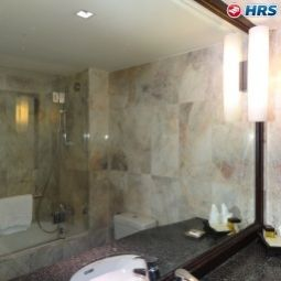 Bathroom Rembrandt Towers Serviced Apartments Fotos