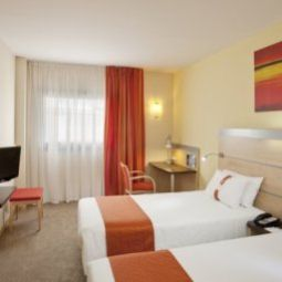 Chambre Holiday Inn Express BARCELONA - SANT CUGAT Fotos