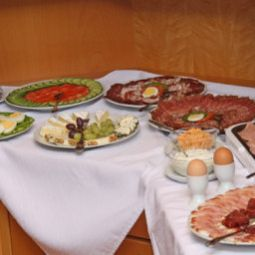 Buffet Pension Garni Villa Thermale Fotos