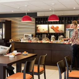 Breakfast room within restaurant ibis Barcelona Mollet Fotos