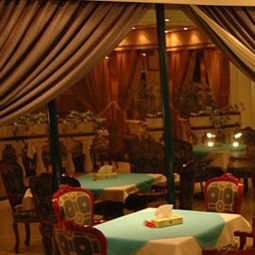 Salle du petit-djeuner situe dans le restaurant Ramee California hotel Fotos