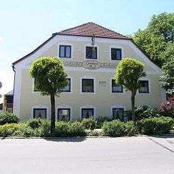 Goldenes Rad Landgasthof Aiterhofen Bayern