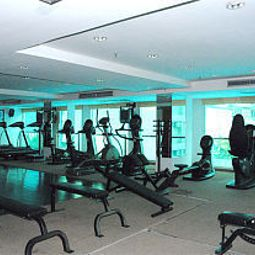 Remise en forme Aiya Residence & Sport Club BTS Budget Hotel Fotos