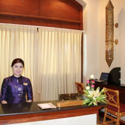 Reception Chatrium Hotel Royal Lake Yangon Fotos