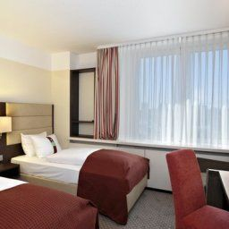 Zimmer Holiday Inn MUNICH Fotos