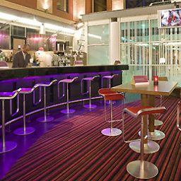 Бар Novotel London Heathrow Airport Fotos