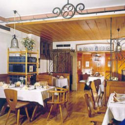 Breakfast room within restaurant Glocke Weingut und Hotel Fotos