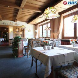 Breakfast room within restaurant Steinbach Fotos