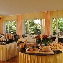 Buffet Businesshotel Rosenau Fotos