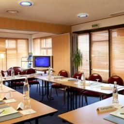 Conference room CAMPANILE EVREUX Fotos