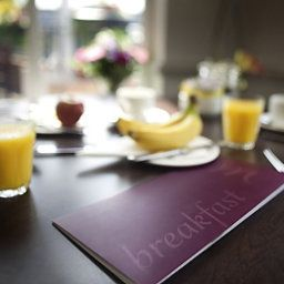 Breakfast room within restaurant Mercure London Staines-upon-Thames Hotel Fotos